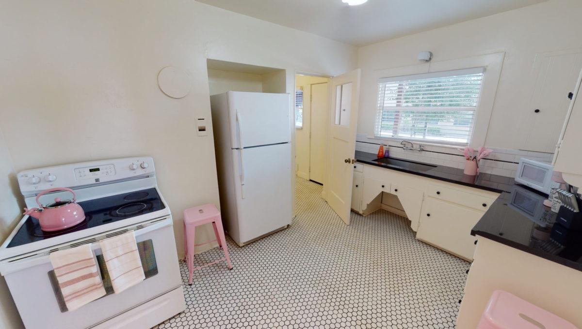 826-Fourth-St-1-Kitchen-1