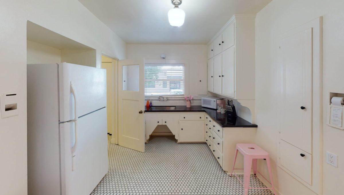 826-Fourth-St-1-Kitchen-3