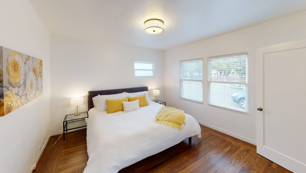 826-Fourth-St-2-Bedroom-1