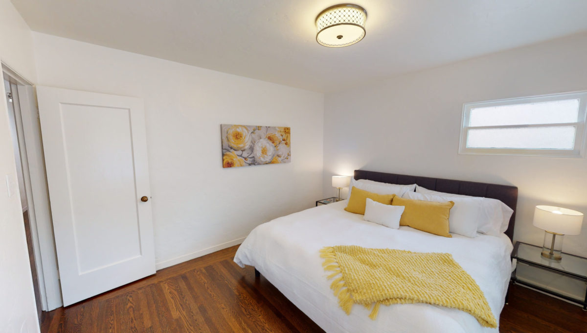 826-Fourth-St-2-Bedroom-2