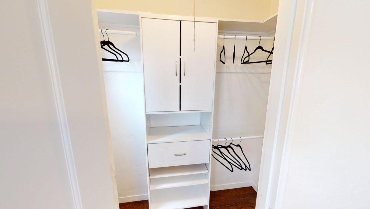 826-Fourth-St-2-Bedroom-Closet