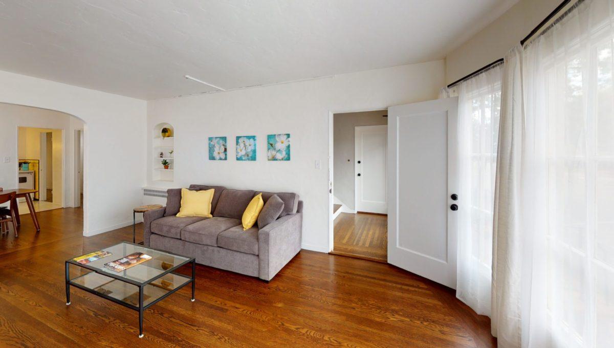 826-Fourth-St-2-Living-Room
