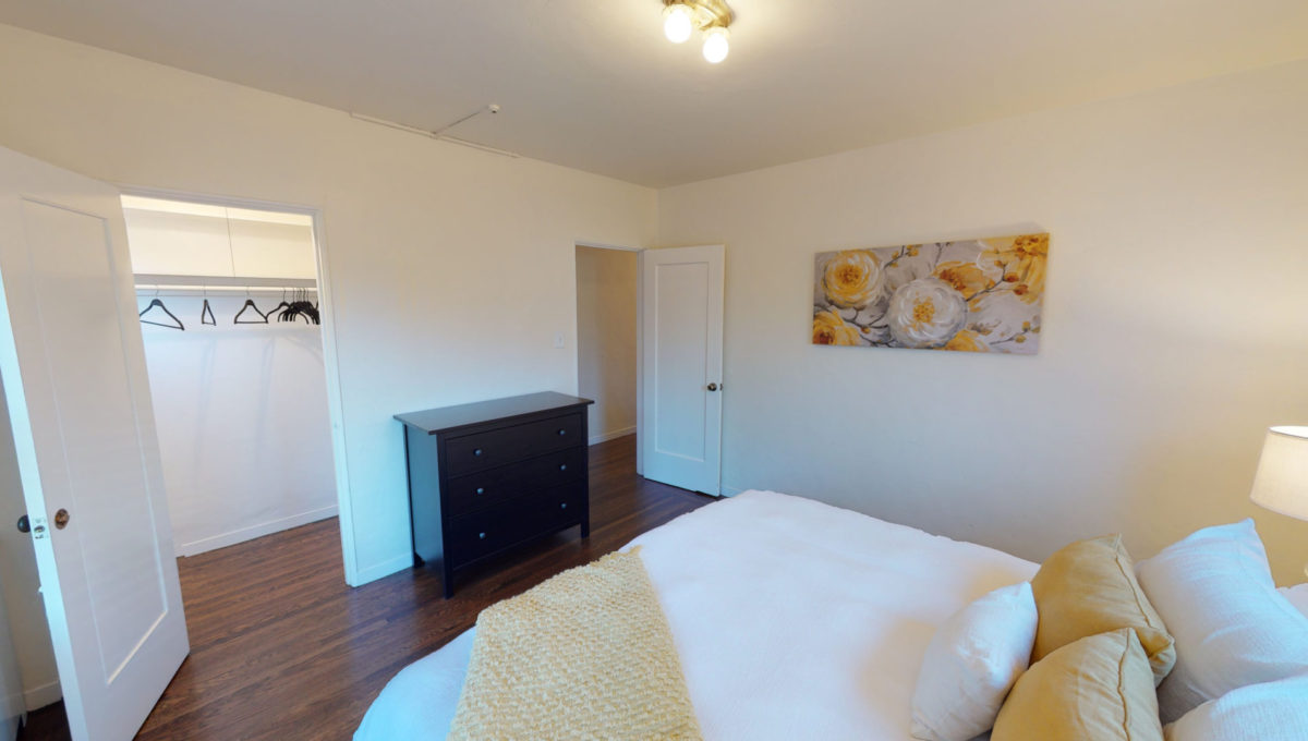 826-Fourth-St-4-Bedroom-2