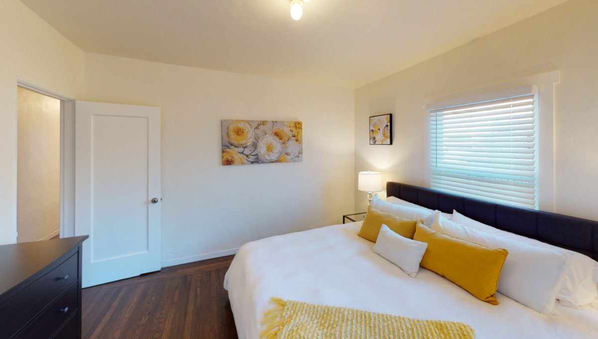 826-Fourth-St-4-Bedroom-3