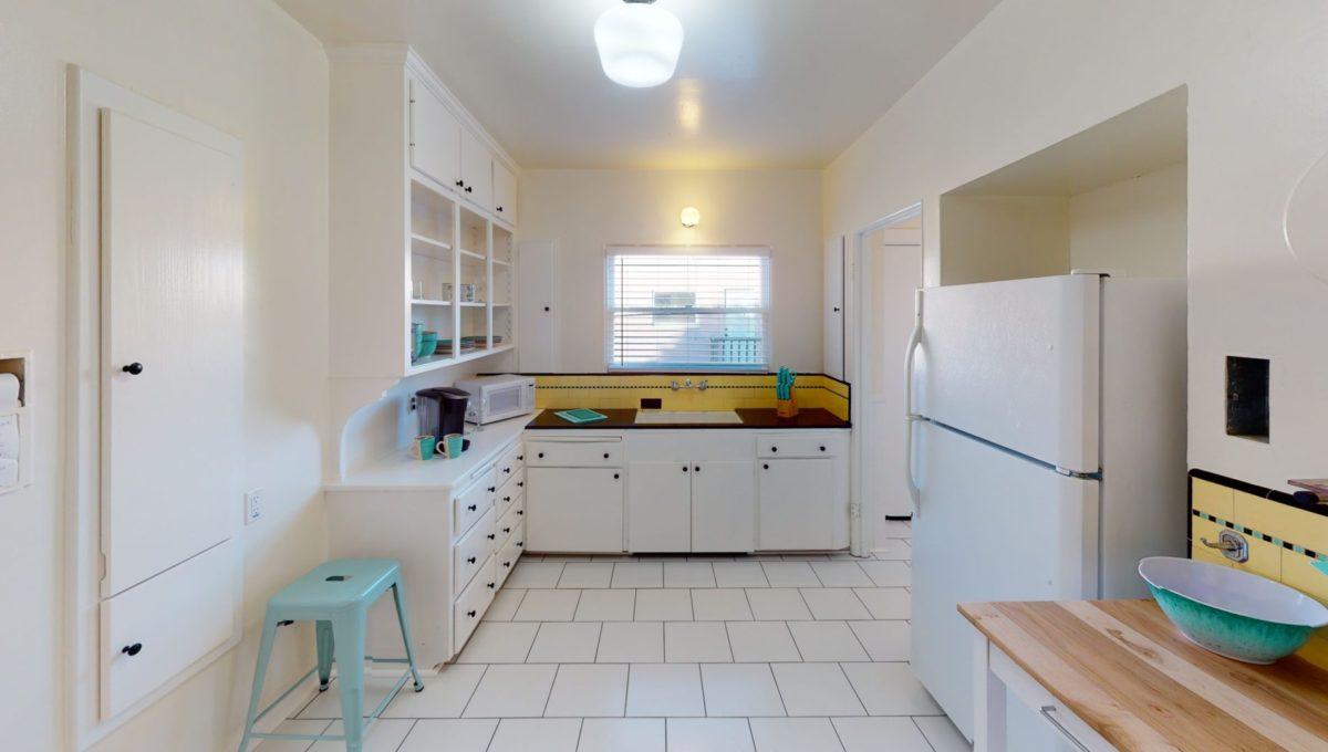 826-Fourth-St-4-Kitchen-2