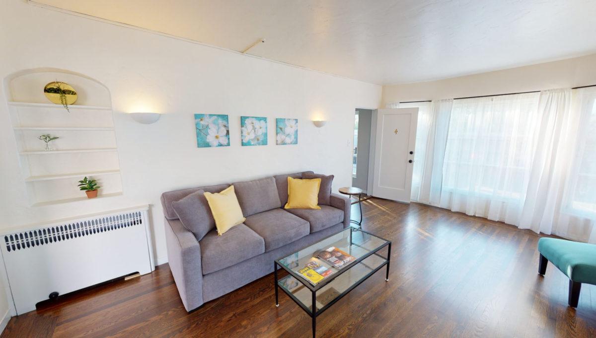 826-Fourth-St-4-Living-Room-3