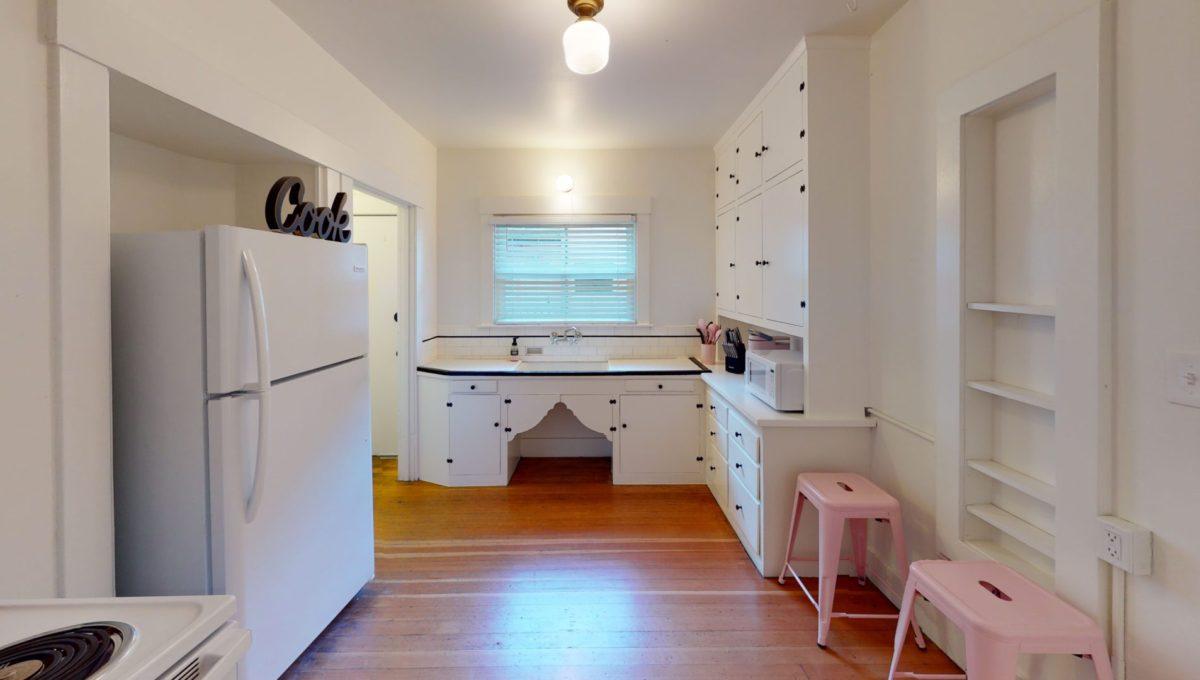 830-4th-St-1-Kitchen