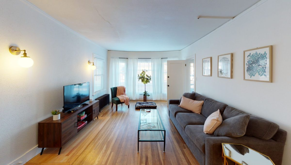 830-4th-St-1-Living-Room(2)